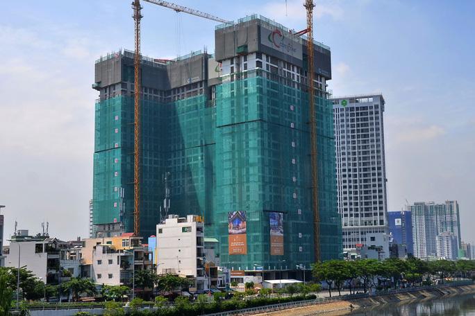 Vì sao bất động sản TPHCM rơi vào thế khó?